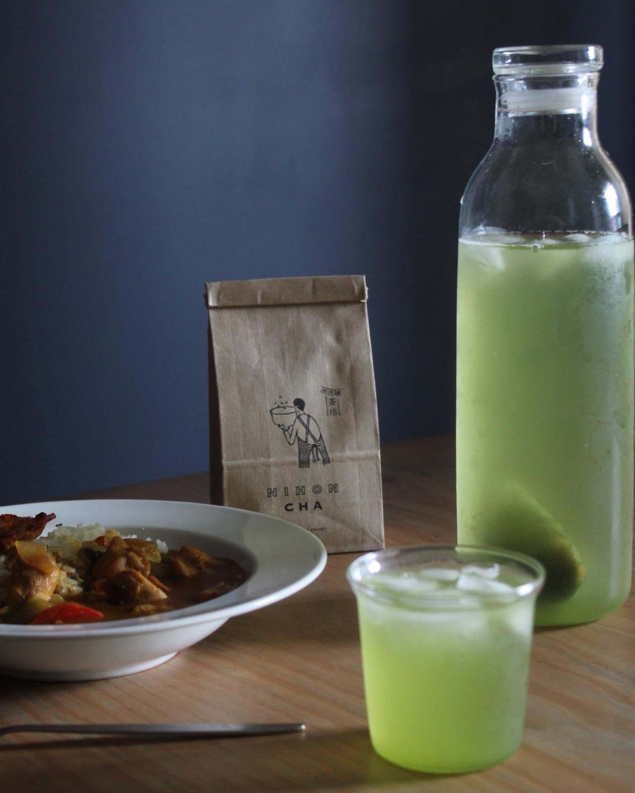 カレーライスと緑茶
