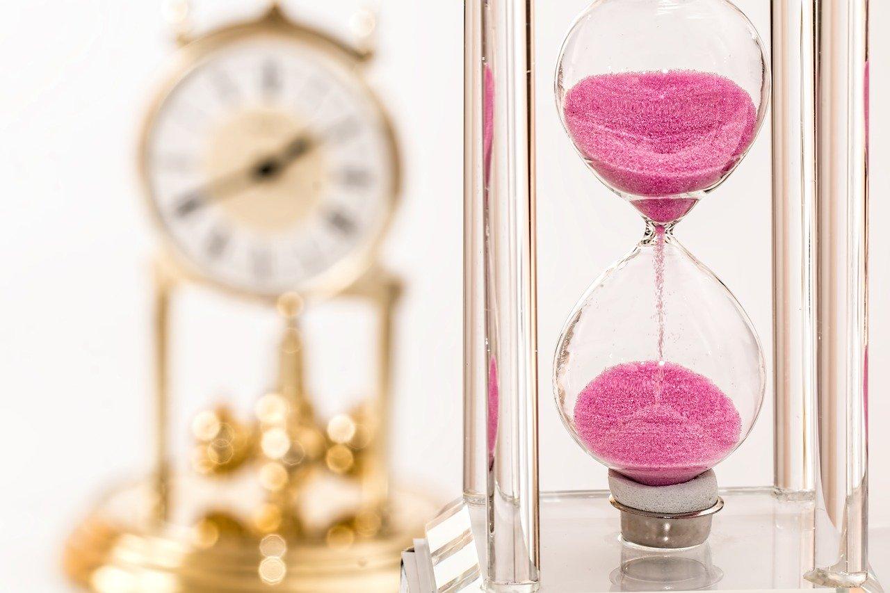 ピンク砂時計