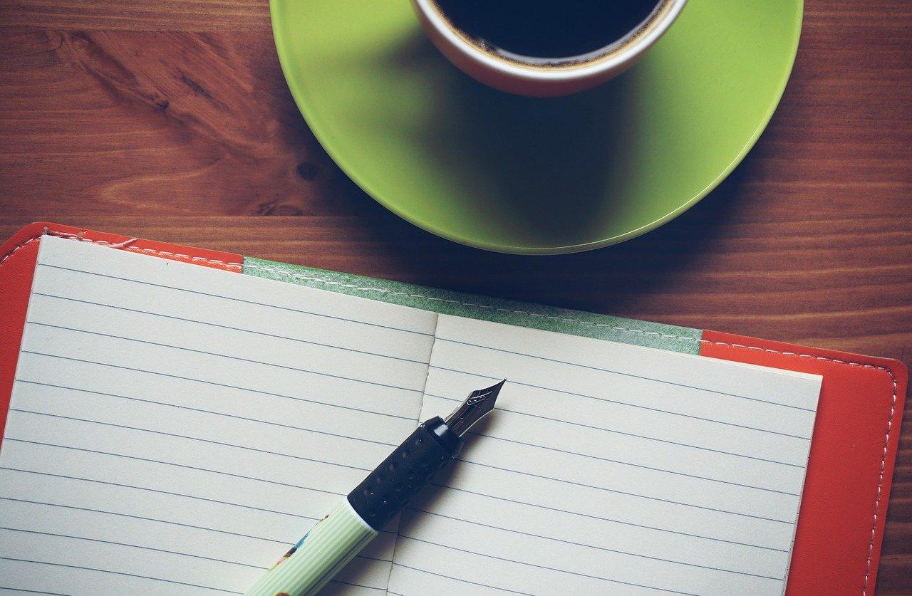 コーヒーとペンとノート