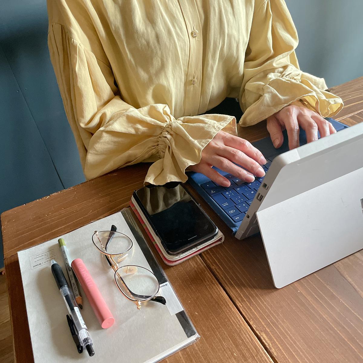 ノートパソコン 女性